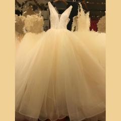 显瘦唯美新娘结婚当天嫁衣影楼拍照礼服馆热销款W1010260213-19 图片色 均码