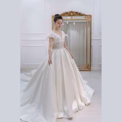 高贵缎面V领包肩收腰款拖尾婚纱新娘主仪式纱W1031740410-2 图片色 均码